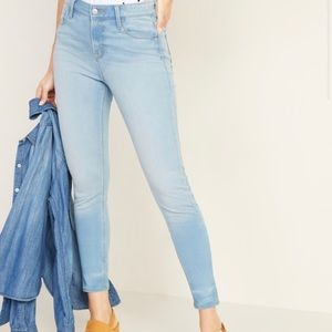Old Navy light wash rockstar mid rise jeans